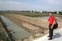 Mr_qian_and_canal